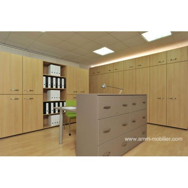 armoire en bois clair box avec casiers et portes battantes. Black Bedroom Furniture Sets. Home Design Ideas