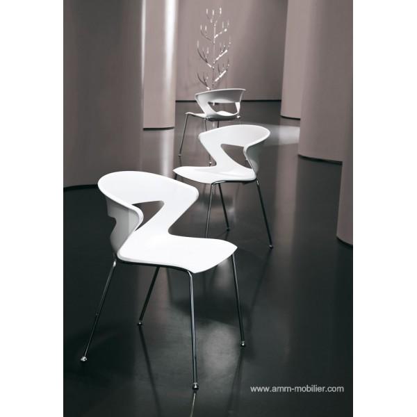 Chaise polyvalente 4 pieds kicca for Sedia kicca