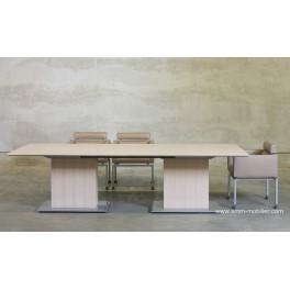 Table de réunion rectangulaire finition Chêne clair