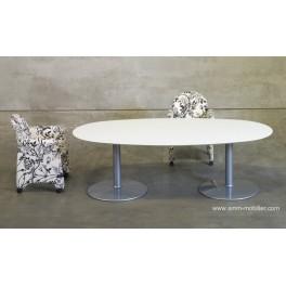 Table de réunion ovale finition Chêne teinté blanc