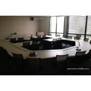 Table de réunion ou conférence sur mesure finition chêne clair n°2